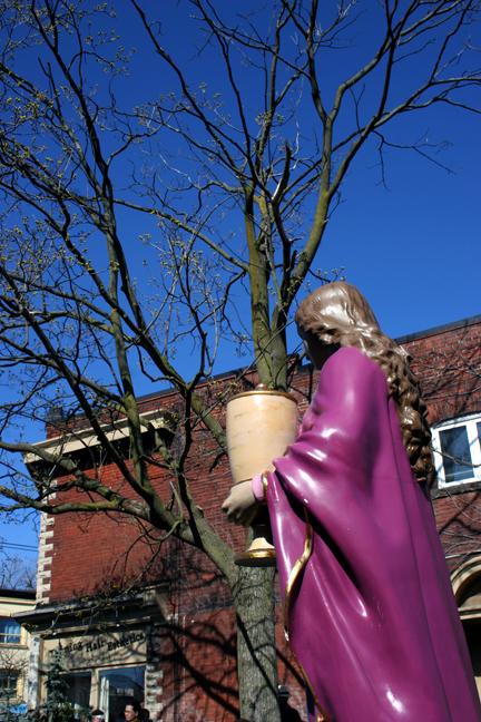 Urn Bearing Mary